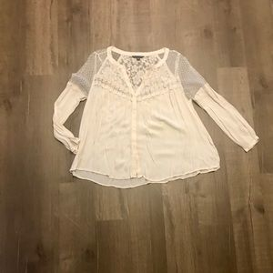 American Eagle lace top